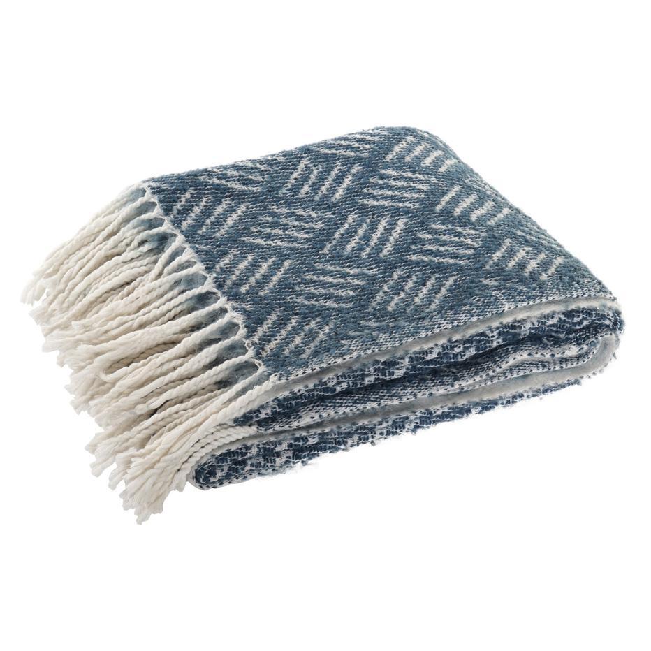 Inne blue wood fringes plaid