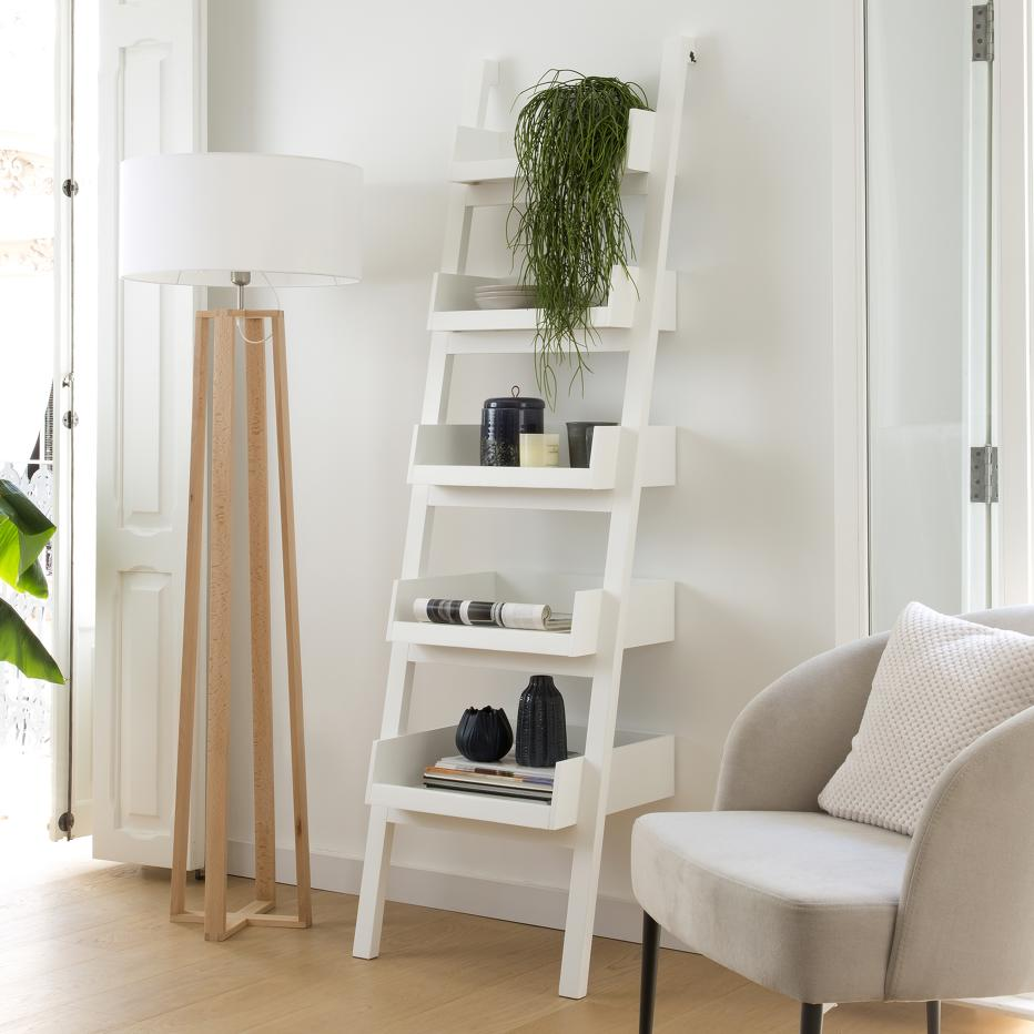 Bassay white shelves