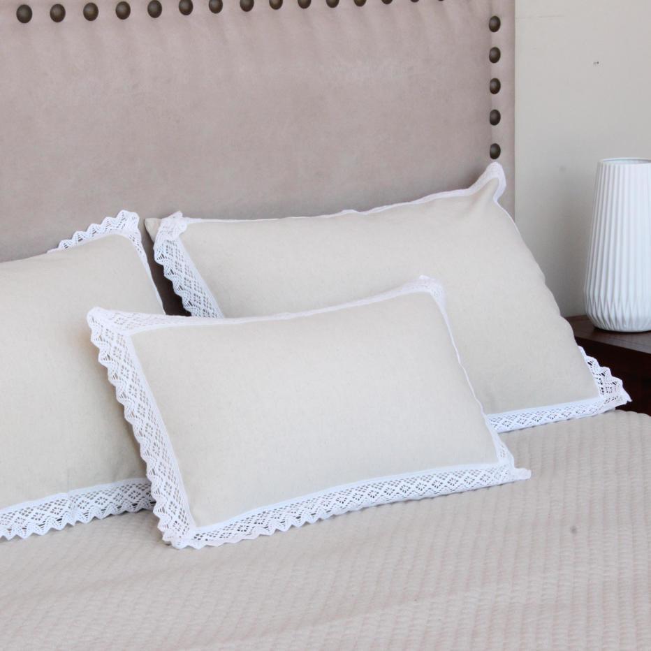 selys housse oreiller banak importa. Black Bedroom Furniture Sets. Home Design Ideas