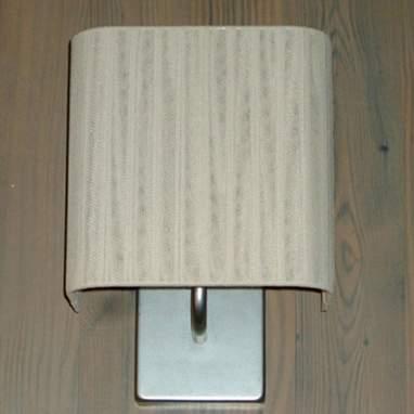 Cinta lampada a muro quadrata 15 h