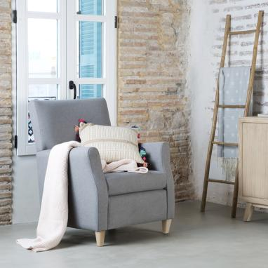 Feroe armchair