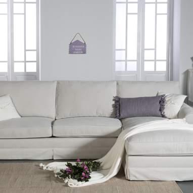 Nicole sofá con faldón tela