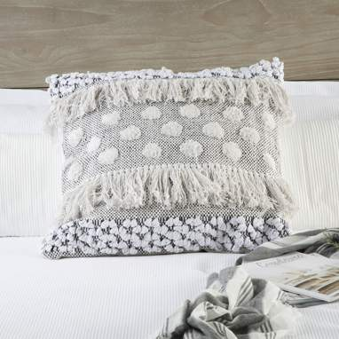 Nare white cotton cushion w/ fringes