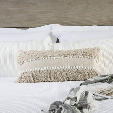 Faer beige cotton cushion w/ fringes