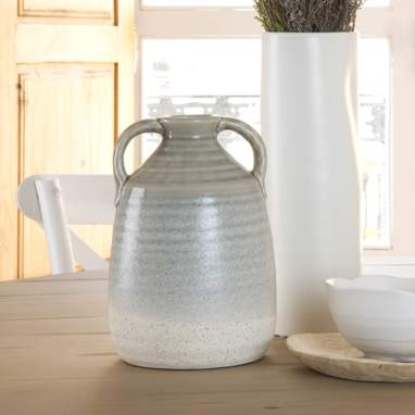 Bond porcelain vase