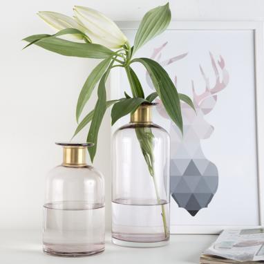 Tuee pink metal crystal vase