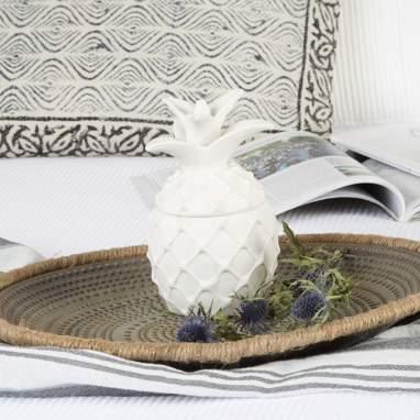 Agnu figura porcelana 10x17  piña blanco
