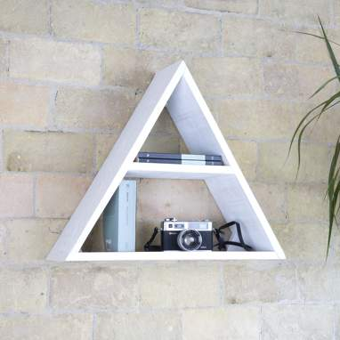 Nordic pyramid shelf