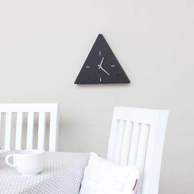 Trike reloj negro triangular