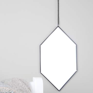 Yier espelho hexagonal metálico preto