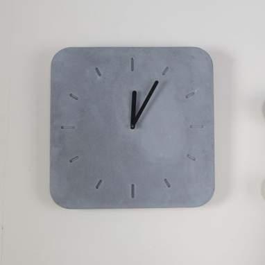 Kamin relógio quadrado cinza