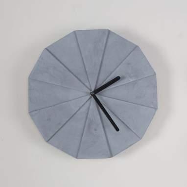 Crine horloge polyèdre gris