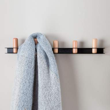 Cherp wall metal coat rack