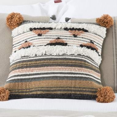 Puyt pompom cushion 40x40