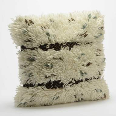 Pevy shabby cushion