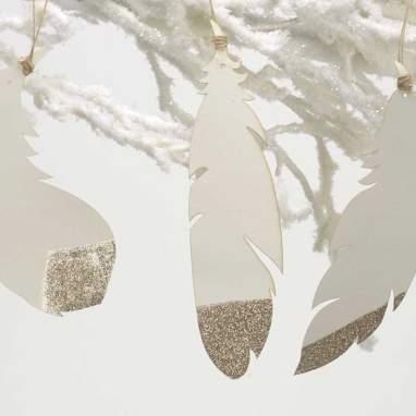 Karen box 9 white/golden feather