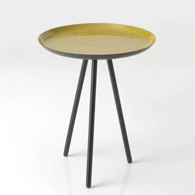 Trik mustard-colour auxiliary table