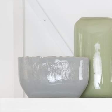 Kalu vaso piante grigio