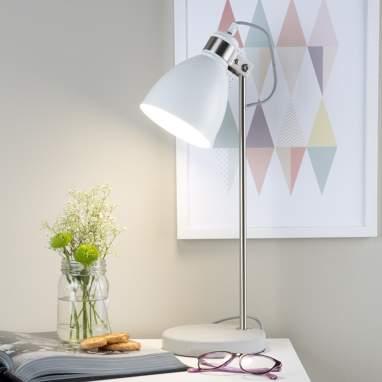 Tily lampara sobre mesa metal blanca