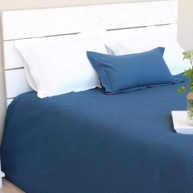 Piqué bedspread